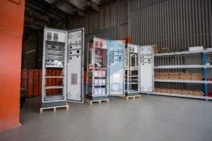 Шкафы в сборочном цехе